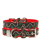 Skull & Roses Fabric Collar - Lets get, lets get rocked with our tattoo inspired Skull and Roses collar. It is lightweight and incredibly strong. The collar has been finished with chrome detailing including the eyelets and tip of the collar. A matching lead, harness and bandana are available to purchase separately. You can be su...